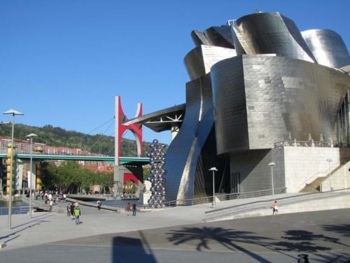 Guggenheim Museum, Bilbao (c) Rob Hard 2013
