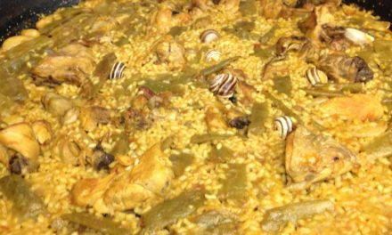 Learn How to Make Paella Valenciana