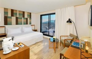 H10 Cubik Barcelona Junior Suite with Cathedral View