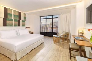 H10 Cubik Hotel Barcelona Superior Guest Room