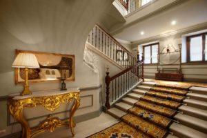 Hotel Palacio Guendulain Pamplona Grand Staircase