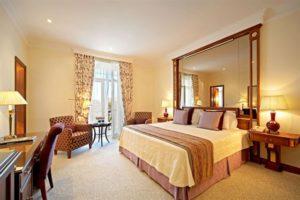 Palacio Estoril Guest Room