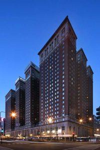 Hilton Chicago Exterior